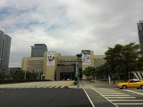 3.台北市政府附近生活機能好,交通也很便捷,吸引許多商務客來租房。
