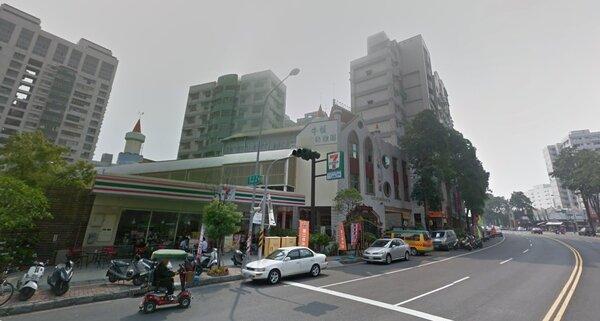 高雄楠梓區德惠路段(圖/翻攝自Google Map)
