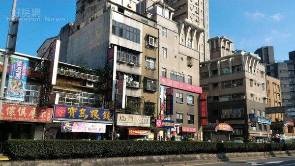 4. 南港近來房市看漲,全仰賴商業氣息濃厚的完善生活圈。