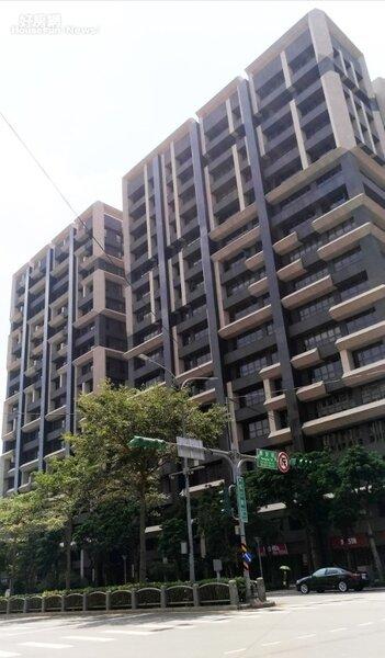 2.林茂樹認為若買來自住,周邊生活機能要齊全、交通要方便,去年他就在松江路東西匯買了一間80坪豪宅。