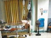 安泰醫院冷氣不涼 住院自備電扇