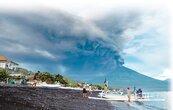 阿貢火山狂噴灰 大亂國際航班
