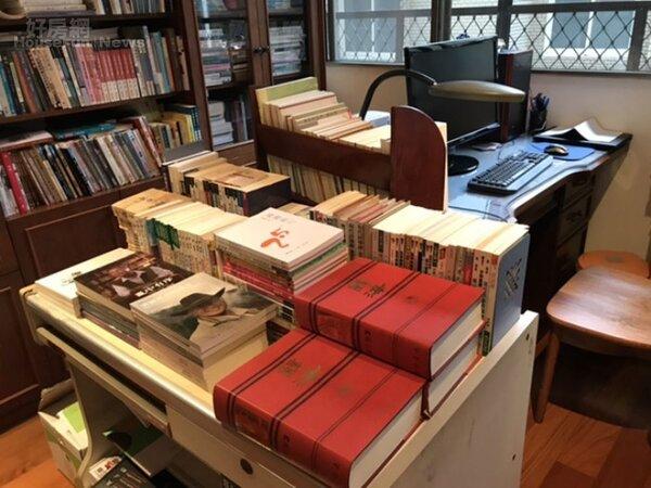 3.台北書房有個平台,專放蕭蕭出版過的155本書。