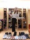 夏語心與閨密Nikita覓得舒適窩 收藏上百雙鞋
