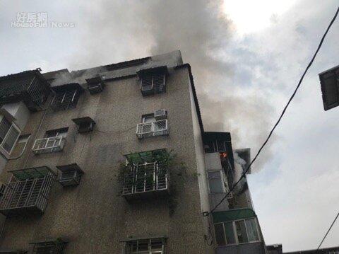新北市汐止某公寓5樓今天驚傳火警。圖/新北市消防提供