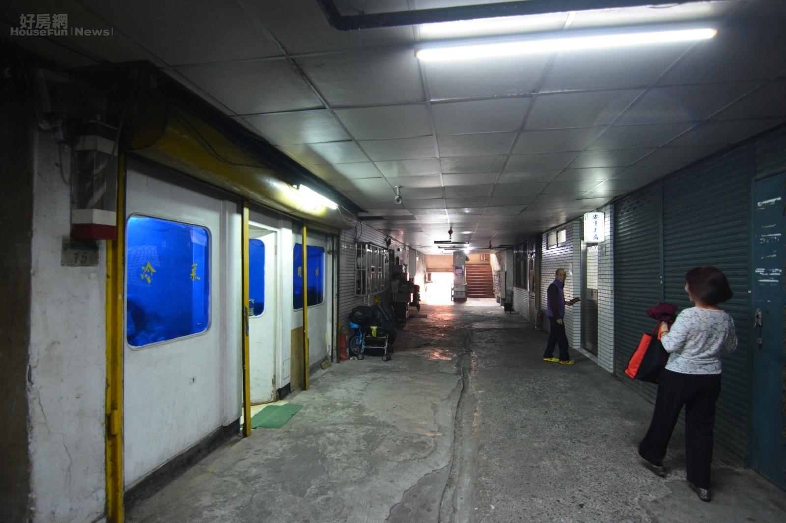 斯文里預計5月中旬拆屋的期程不變,最快2021年完工。