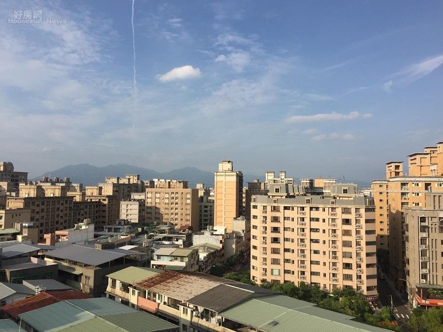 新北市泰山區十八甲重劃區內新案少,多為屋齡十年以上的華廈大樓產品(好房網News記者蔡孟穎/攝影)