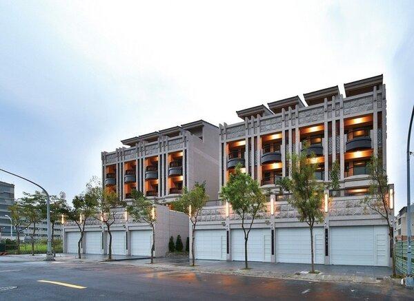 「高更」二期臨路電梯別墅,有8戶。 圖片提供/高京建設