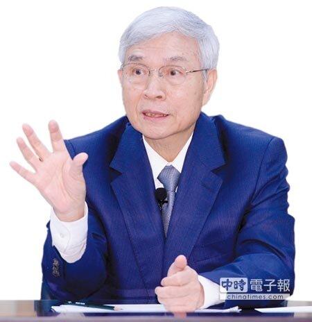 央行總裁楊金龍說明金融帳淨流出相關議題。圖/王德為