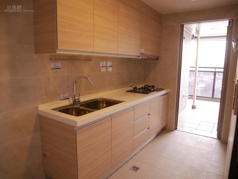 二房型和三房型為獨立廚房(好房網News記者蔡孟穎/攝影)