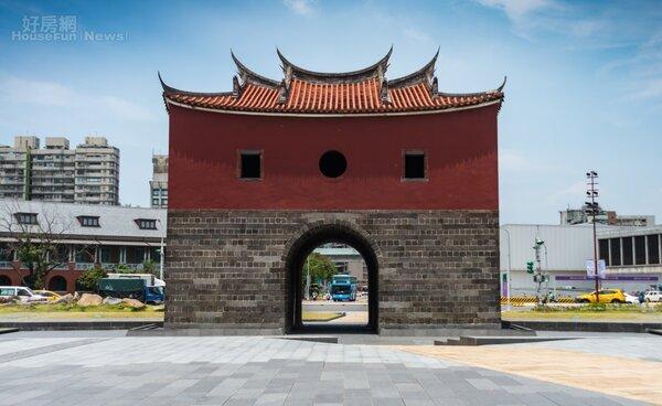 台北城的老故事 城中散策緬繁華