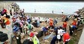 世界海洋日 潛水員淨灘