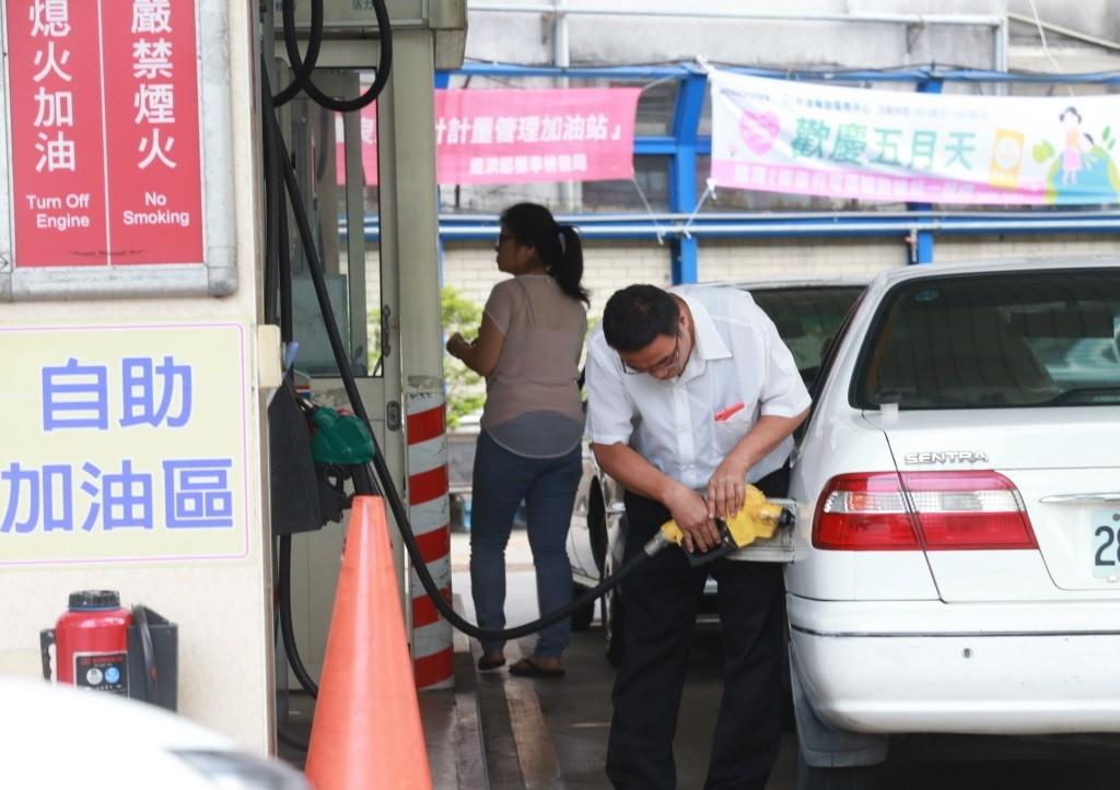 油價示意圖。聯合報系資料照/記者黃義書攝影