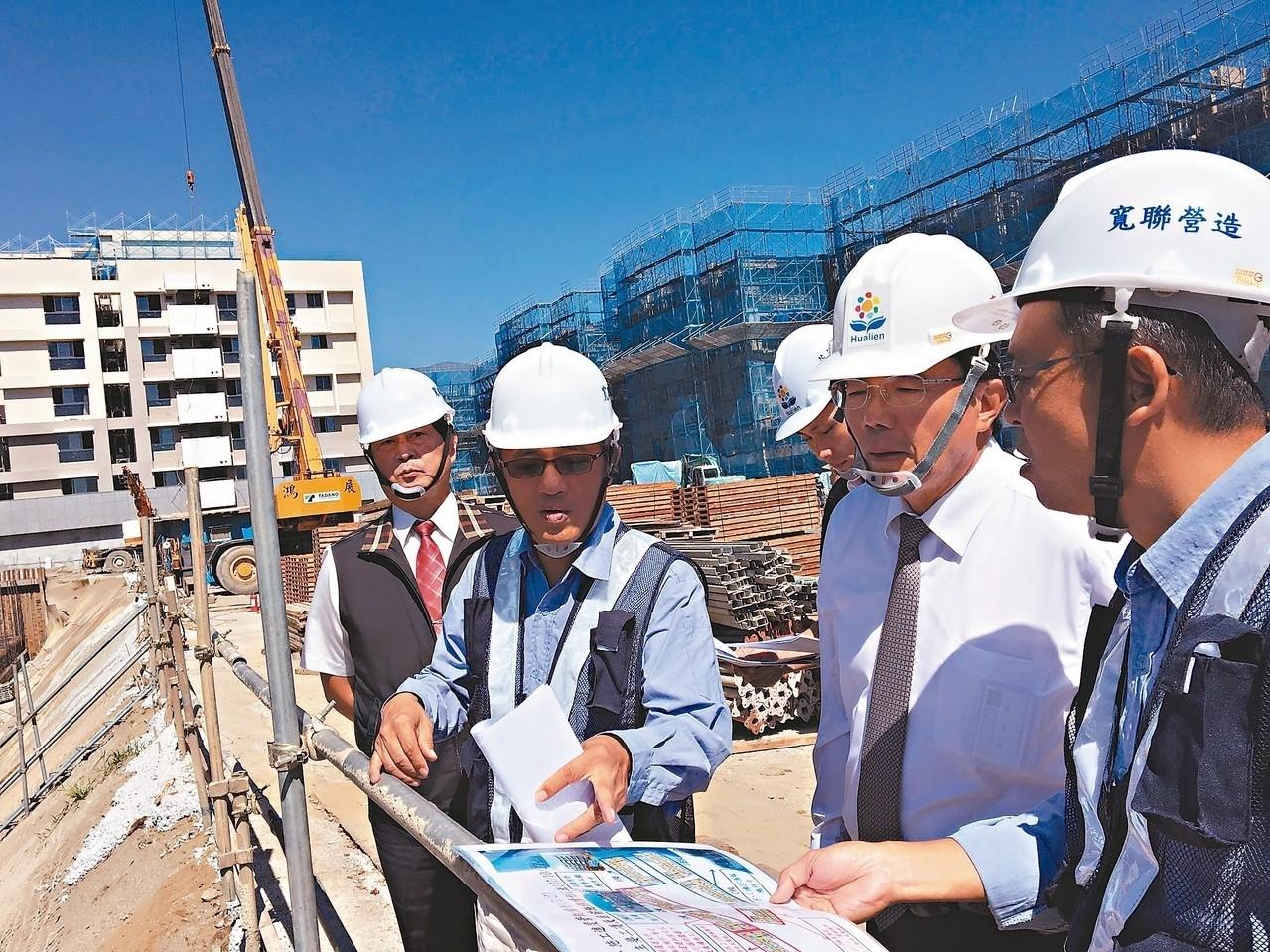 花蓮北埔村青年住宅第一期正在興建。 記者徐庭揚/攝影