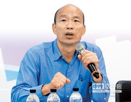 高雄市長當選人韓國瑜親上火線,說明15年前的車禍事件,強調坦然接受。(李義攝)