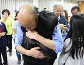 韓國瑜夜宿兒童之家 想起杜甫兩句話決定助院童學雙語