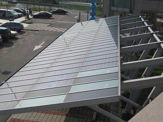 新北市61所公立學校先裝太陽能發電系統(圖/高速公路局網站)