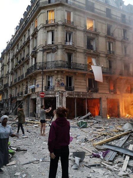 巴黎市區12日上午發生爆炸。 圖/擷自推特