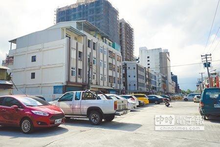 花蓮市日出觀光香榭大道整體景觀工程昨進行第三度招標,共有一廠商得標,預計16日進行評選。(本報資料照片)
