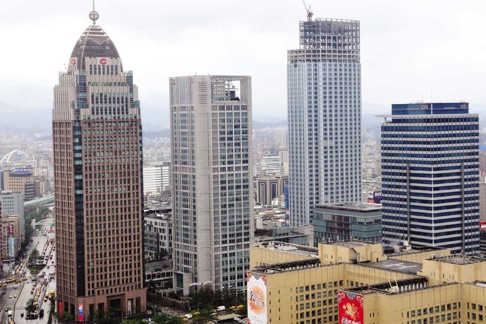 台北市辦公室租賃市場的供不應求結構依舊存在。圖為台北信義區商辦大樓。圖/本報資料照片