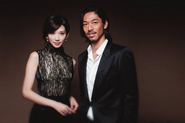 志玲姐姐結婚了!林志玲宣布和37歲日本男團「EXILE」AKIRA閃婚,並同時在台灣、日本發表聲明,震驚娛樂圈。