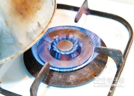 中油擬推天然氣熱值一元化,未來新推爐具需配合更改,即便不買新爐具,也可以改噴嘴,每台350元左右。(姚志平攝)