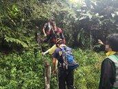 石碇區女登山客中暑向119求援 同行友人陪同下山卻遭雷擊