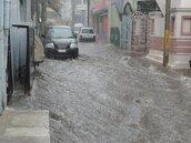 中南部雨下到快發霉 周三以後會改變