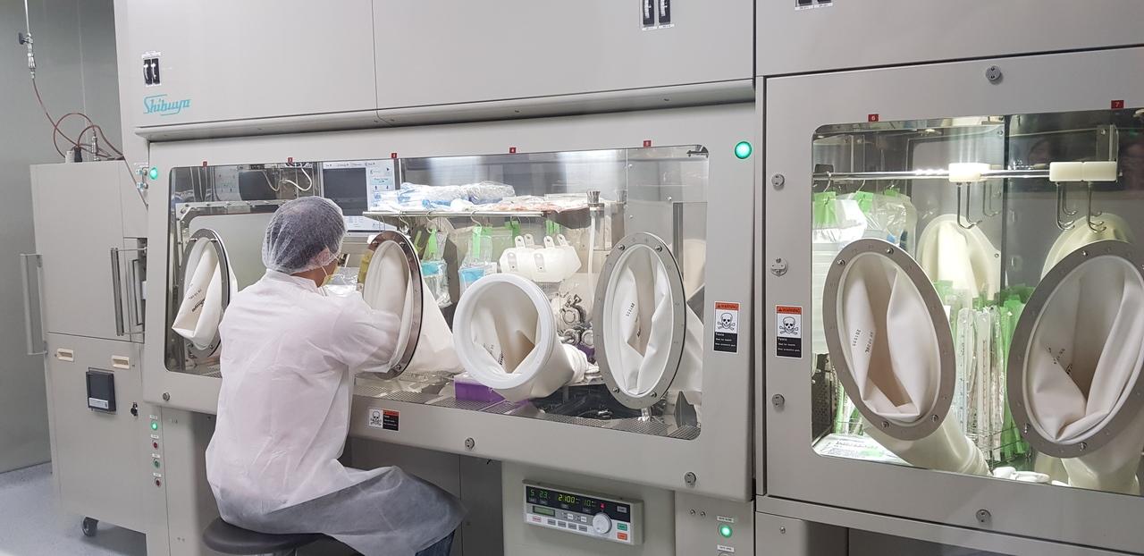 國家衛生研究院設在台南的癌症研究所內的細胞治療實驗室昨天揭牌啟用。記者修瑞瑩/攝影