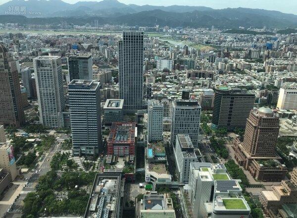 外資商仲高力國際1日公布今年第三季辦公室市場行情報告,台北市信義區的商辦租金年漲幅超過5%。好房網News記者李彥穎攝