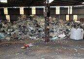 環保蟑螂搞鬼 農地、工廠淪為廢棄物棄置場