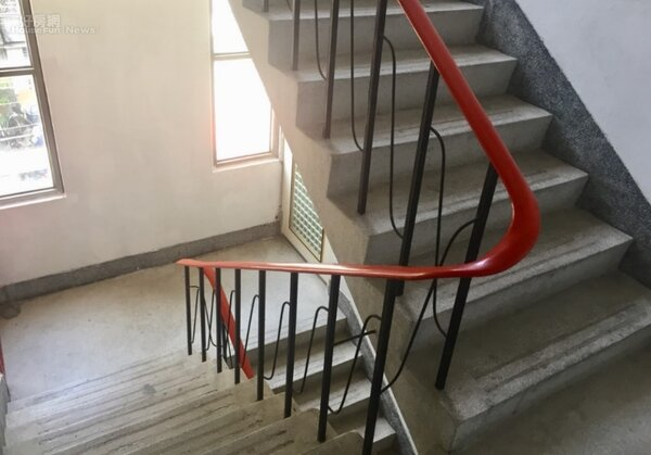公寓 樓梯間