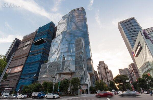 台中七期市政商圈。照片高力國際提供