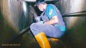 台南環保「忍者龜」 下水道查電鍍毒水