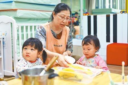 台北市政府獨家推出2至3歲育兒補助方案,預估有7000名幼兒受惠。(本報資料照片)