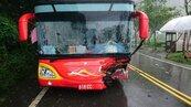 休旅車撞陸客團遊覽車 阿里山公路車禍傷者增至11人