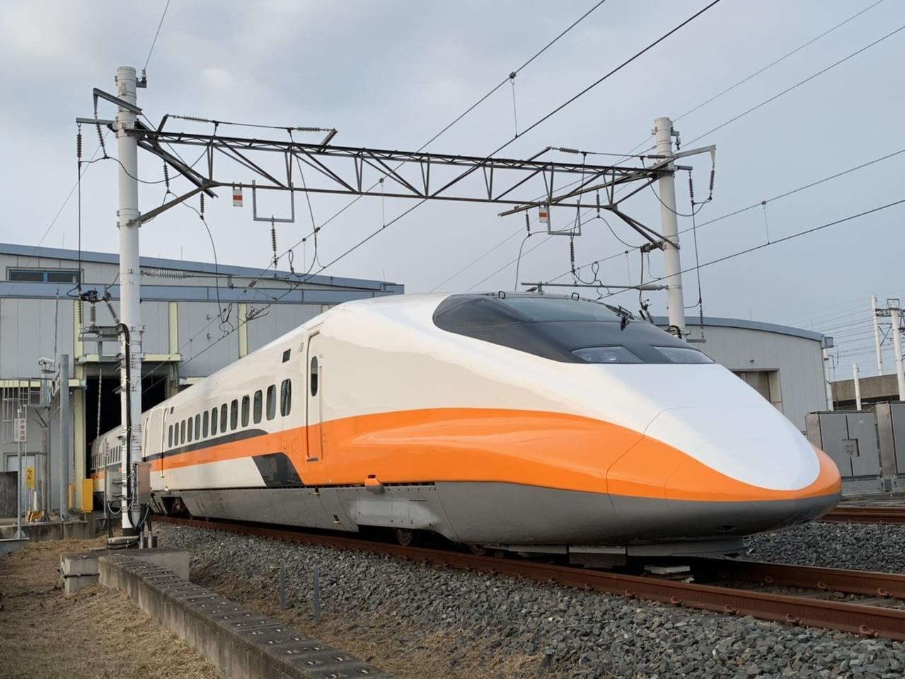 隨著寒假即將來臨,且農曆春節接踵而至,台灣高鐵公司為鼓勵大學生提前返鄉過節,特別於明(2020)年1月6日至10日、1月14日至19日規劃「大學生寒假返鄉五折優惠列車」,除持續提供原大學生指定車次五折、七五折或八八折優惠外,再加碼大學生寒假返鄉五折優惠列車。 記者楊文琪/攝影