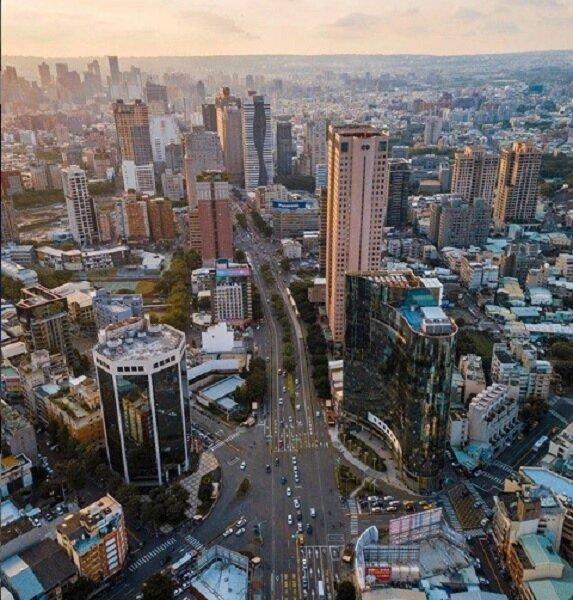 內政部2019年前10個月建築物開工數統計結果顯示,台中市有24440間新建住宅,數量位居全台第一。圖/截自instagram @taichungtravels