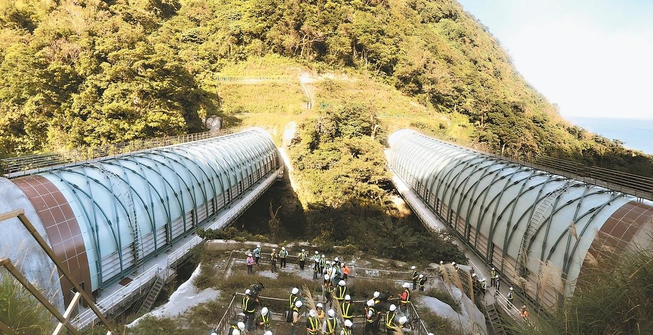 連結觀音、谷風隧道的鼓音橋。 記者侯俐安/攝影