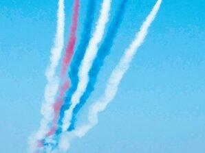空軍台南預演 千人搶看戰機