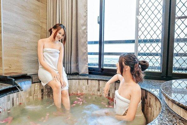 宜蘭礁溪擁有絕佳的溫泉資源,吸引遊客到此泡湯。圖/川湯春天提供