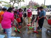 小黑蚊入侵台南北區公園 居民防蚊大作戰