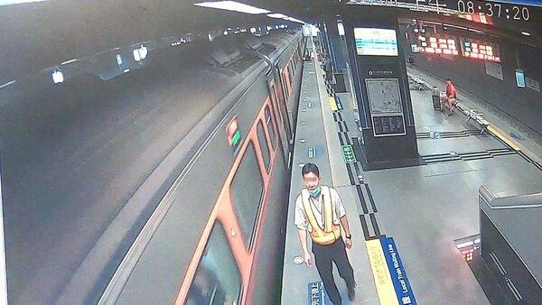 台鐵自強號列車今天在鳳山站因停車又開,造成旅客受傷。記者林保光/翻攝