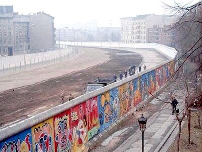 1986年的柏林圍牆。圖/截自維基百科