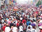 數萬信眾隨駕 跋涉200公里 白沙屯媽來北港刈香