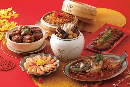 王品集團今年首度進軍年菜市場推出多款年菜組合,其中〈極品御膳六菜宴〉以「年菜之王」佛跳牆掛帥圖/王品集團