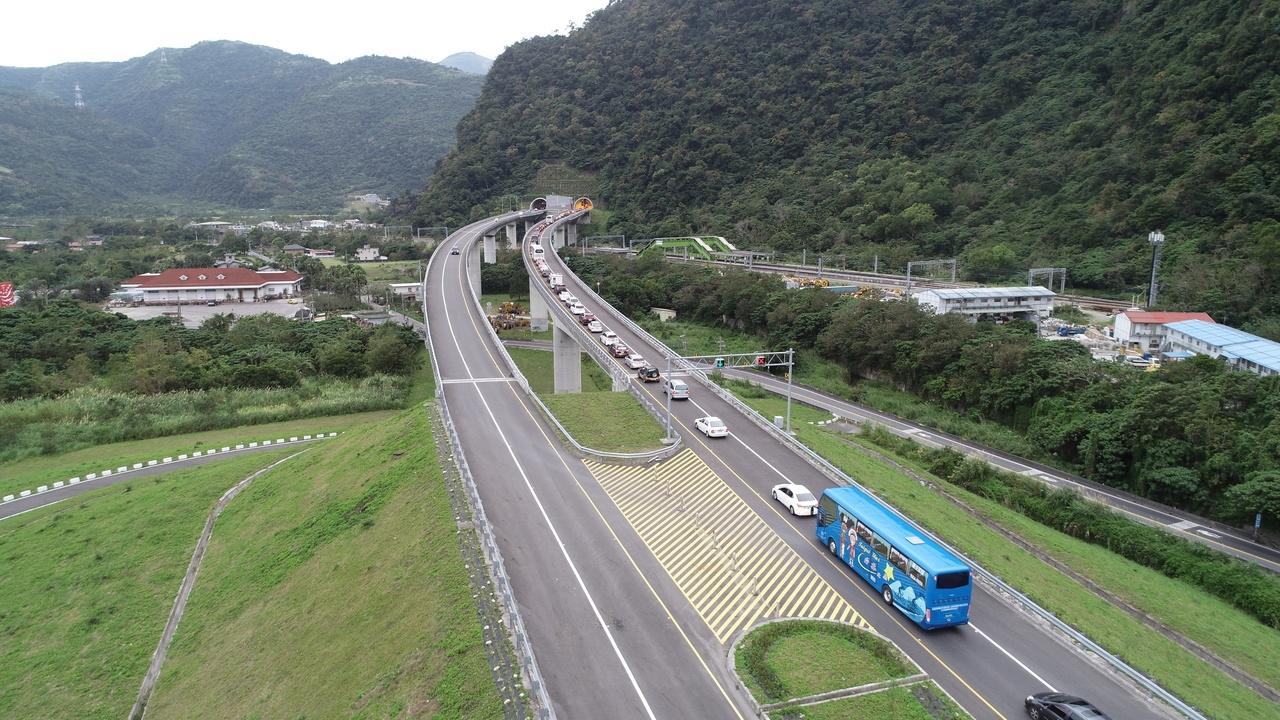 交通部長林佳龍昨宣布,清明連假4月2日到5日,蘇花改將試辦提速。 圖/聯合報系資料照片