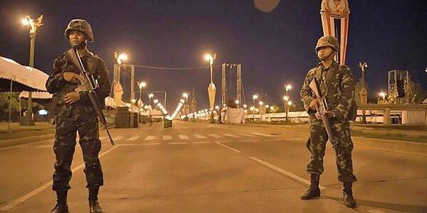 泰國政府宣布從三日起實施宵禁。圖/取自網路