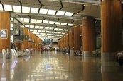 疫情衝擊 樟宜機場第二航廈5月1日起停止營運18個月