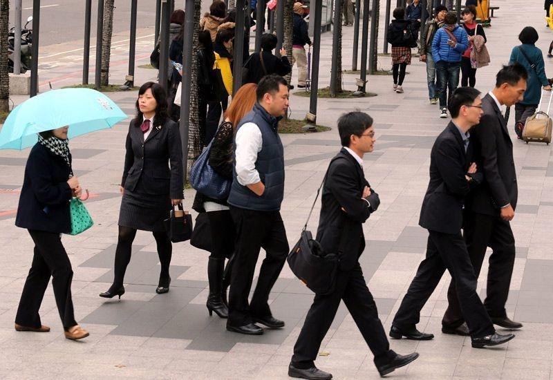 新冠肺炎疫情衝擊, 減班休息勞工數已逼近9000人。 圖/聯合報系資料照片